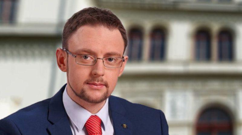 Wann handelt Innenminister Wöller gegen linke Straftäter?