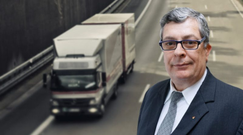 Osteuropäische Banden schlitzen hunderte LKW-Planen auf