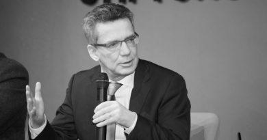 """Strippenzieher, Ex-Innenminister de Maizière, beim """"Bamf""""-Skandal abgetaucht?"""