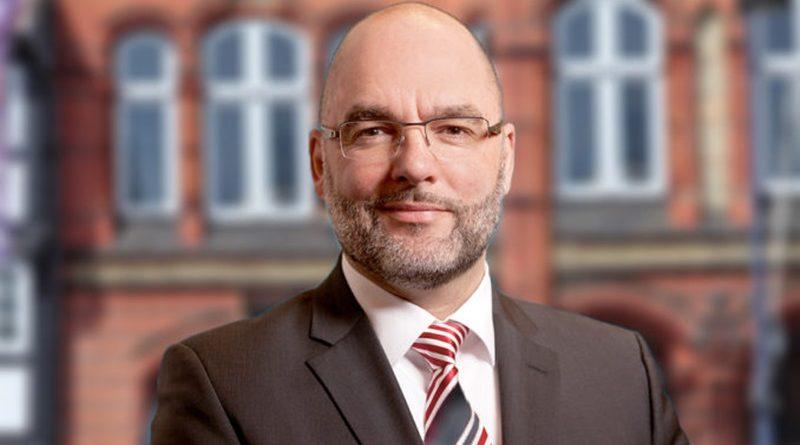 Hält Innen-Staatssekretär Informationen zu Tötungsdelikt in Neumünster zurück?