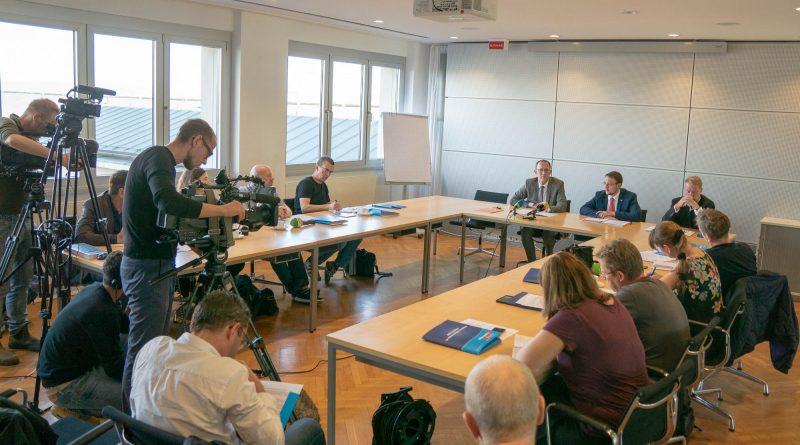 """AfD-Fraktion startet Demokratie-Projekt für Sachsens Schulen: """"Lehrer-SOS""""!"""