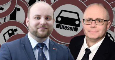 AfD-Abgeordneter setzt sich vor Sindelfinger Daimler-Werk für Diesel ein