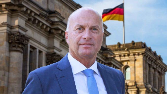 AfD-Obmann kritisiert undemokratisches Verhalten im Verteidigungsausschuss