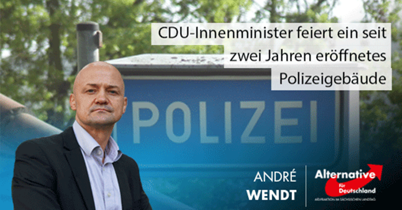 CDU-Innenminister feiert ein seit zwei Jahren eröffnetes Polizeigebäude