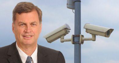 Wer für Videoüberwachung von Autofahrern ist, sollte bei Abschiebungen aufs Gaspedal drücken