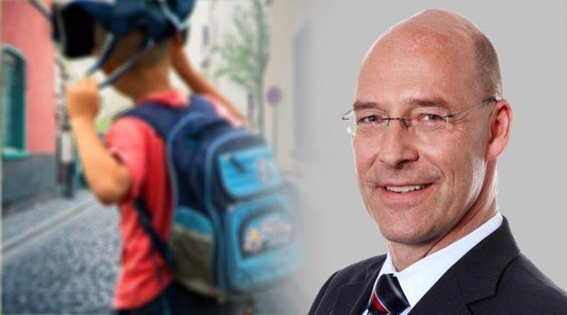 """Wie (un-)politisch dürfen Lehrer sein? Einladung an Hamburger Schulsenator und GEW zu """"Fraktion im Dialog"""""""
