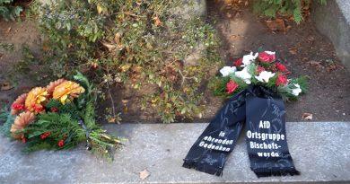 AfD-Bischofswerda gedenkt mit Kranzniederlegung dem Volkstrauertag