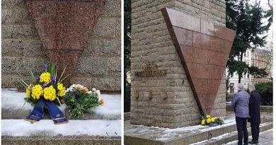 AfD gedenkt der Opfer des NS-Regimes, von Krieg und Vertreibung