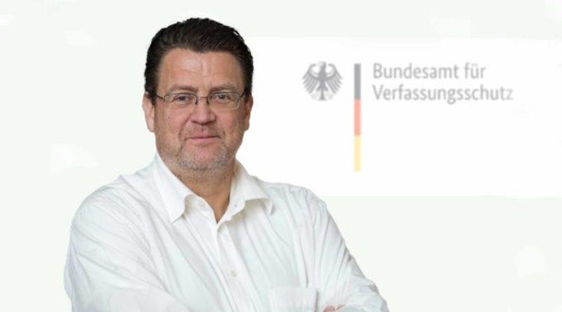 Verfassungsschutz: Keine gesetzliche Grundlage, über Prüffälle zu informieren