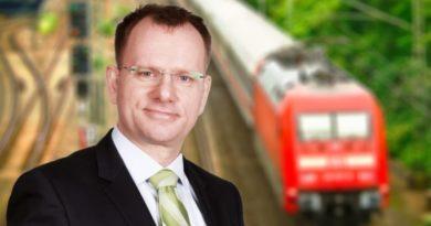 Stromoberleitungen auf Autobahnen für Hybrid-LKW sind grüne Luftschlösser