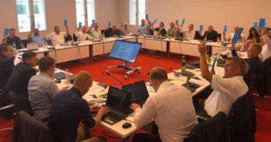 Die neue AfD-Landtagsfraktion in Brandenburg hat sich konstituiert