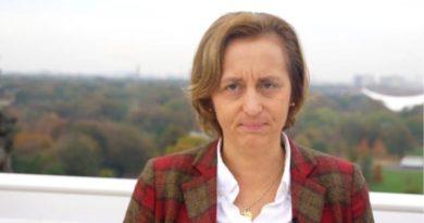 Claudia Roth: Eine Schande für den Bundestag!