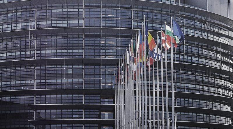 """30. EU-Parlament brandmarkt """"EU-Verräter"""" Frankreich, Niederlande und Dänemark"""