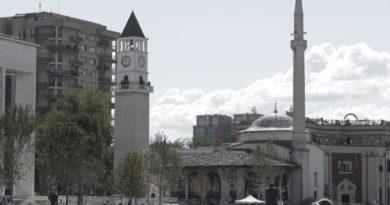 Siegbert Droese: Roth träumt weiter in der Balkan-Blase