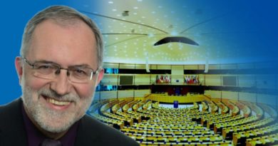 Laschet will nur Ihr Bestes: Noch mehr GELD für die EU!