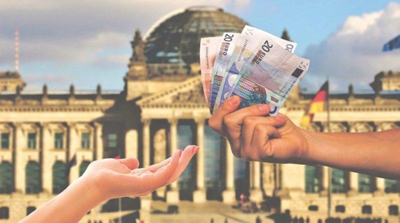 Sozialleistungen auf Auslandskonten zu überweisen, öffnet Sozialbetrug die Tür