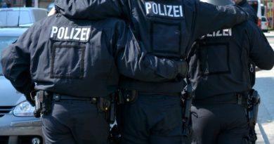 AfD-Anfrage enthüllt: Politisch motivierte Angriffe auf Polizisten und Brandanschläge fast ausschließlich von Linksextremisten